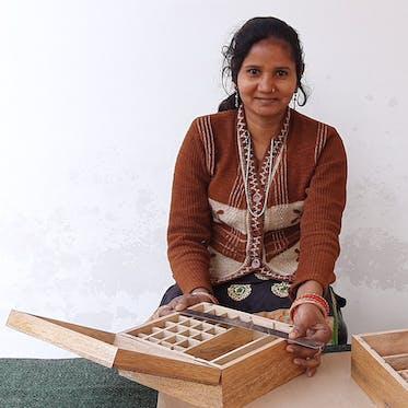 Asha Handicrafts - I'm Lata - Young Living Foundation Developing Enterprise