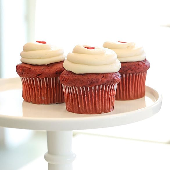 Red Velvet Cupcakes I Sweet Tooth Fairy