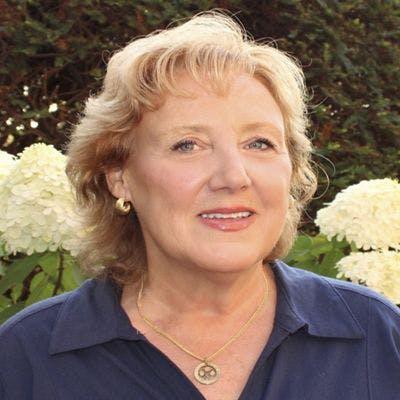 Susan Metka Schramm Headshot Image